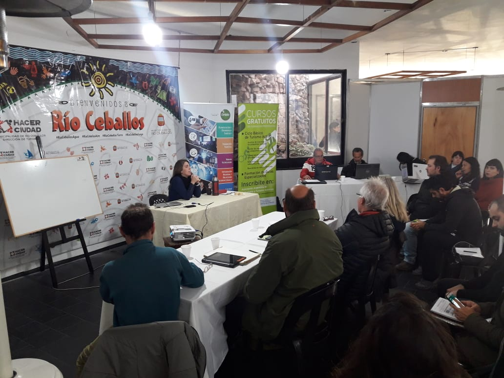 Capacitación en Rio Ceballos: Marketing Digital y Estrategias en Redes para Turismo