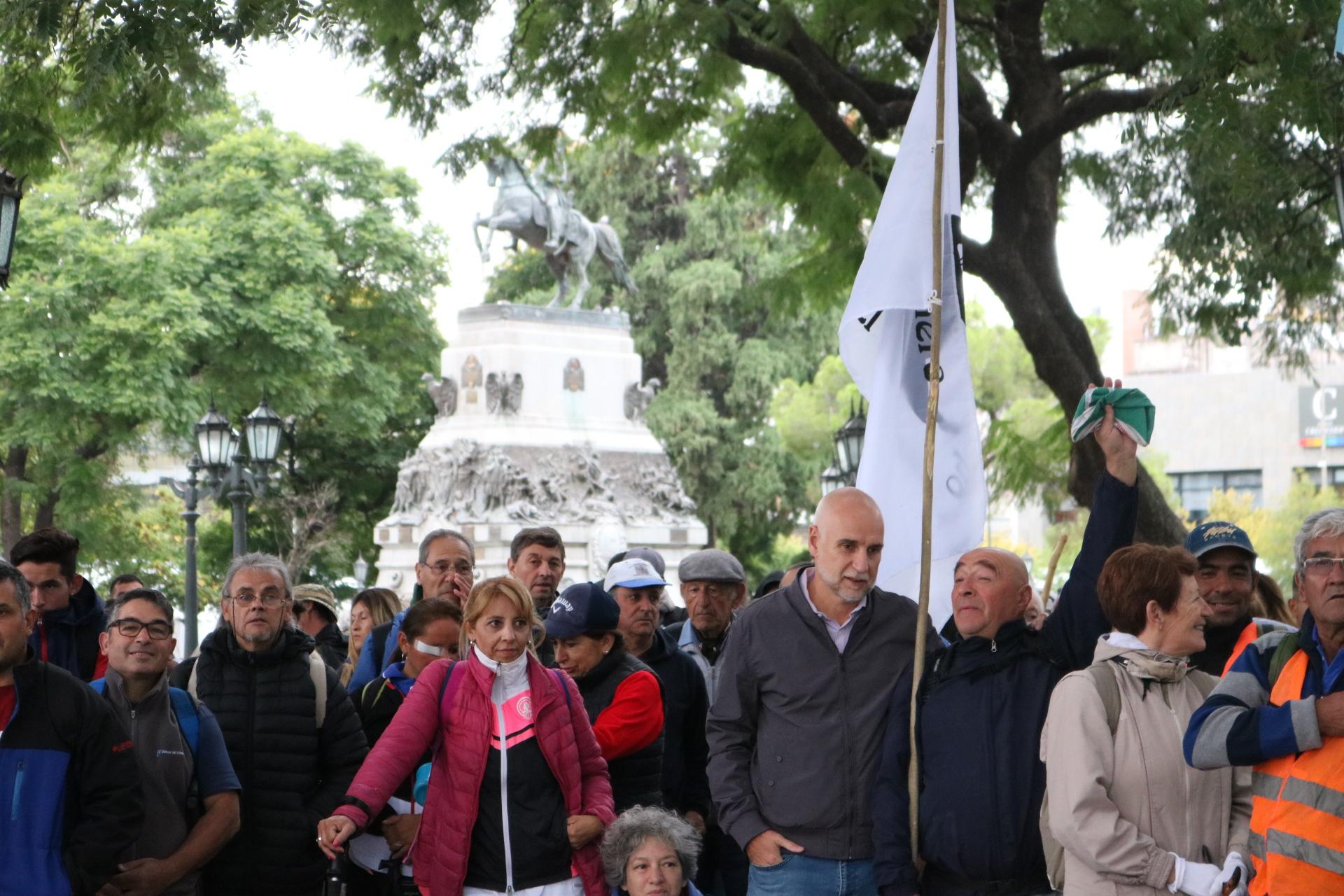 Más de 200 peregrinos caminan desde Córdoba a Villa Cura Brochero en honor al Santo