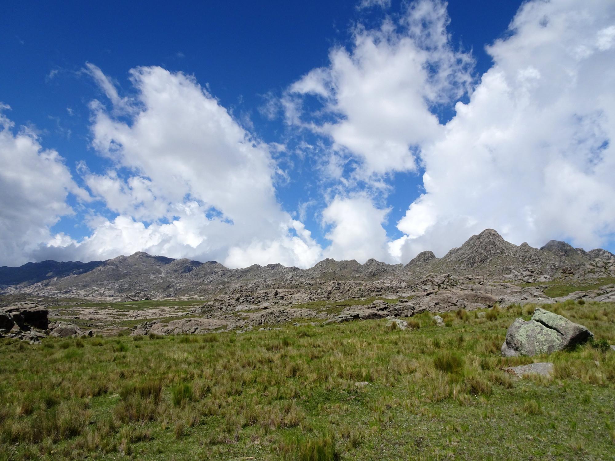 Senderos que conducen al Cerro Champaquí