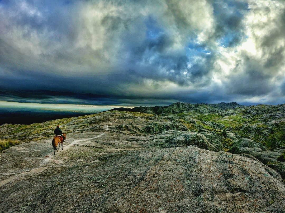Ascenso al Cerro Corona, una aventura a 2.060 msnm