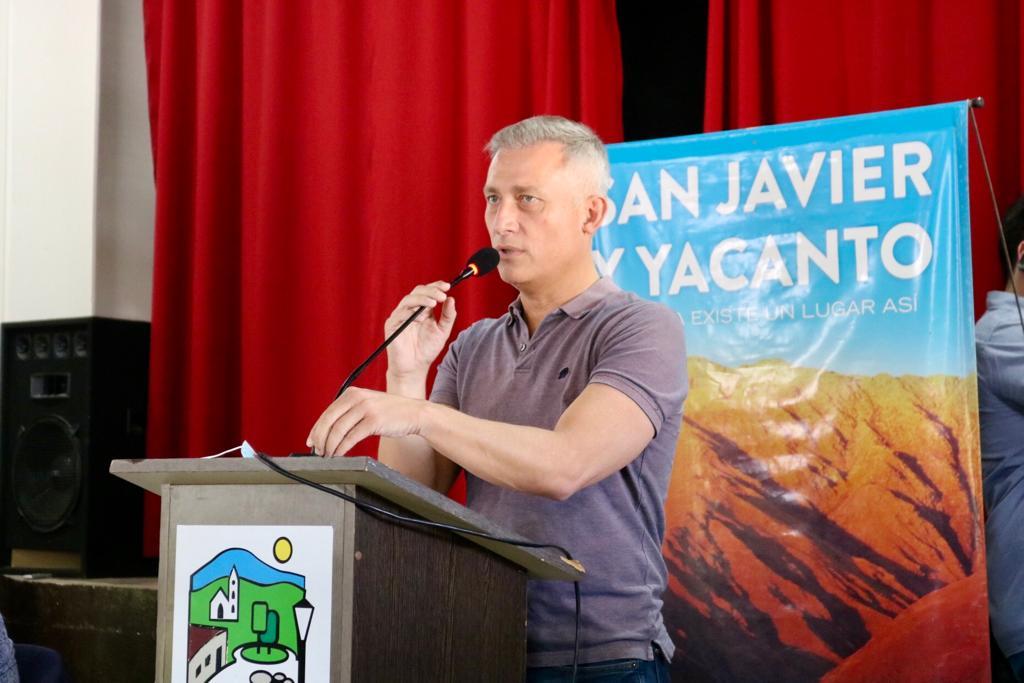Traslasierra: Esteban Avilés firmó un convenio para restaurar la iglesia de San Javier